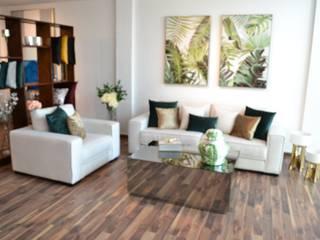 SHOW ROOM de CASA MARBEC Moderno
