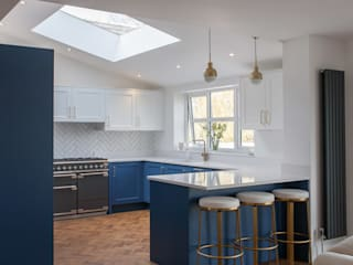 Mr & Mrs Webster:  Kitchen by Kreativ Kitchens