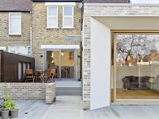 Honor Oak Park Home - London SE23 von Designcubed Modern