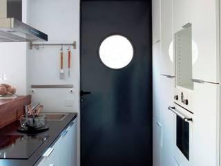 Vivienda Eco El Tiemblo Cocinas de estilo moderno de INFINISKI Moderno