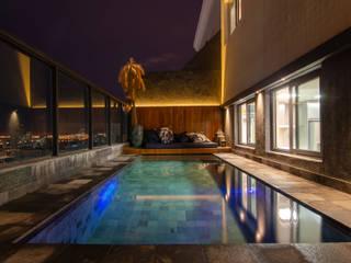 Pool von Skaine Photo