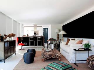Vivienda Eco El Tiemblo Livings de estilo moderno de INFINISKI Moderno