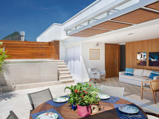 Tropical style balcony, porch & terrace by Froma Arquitetura Tropical