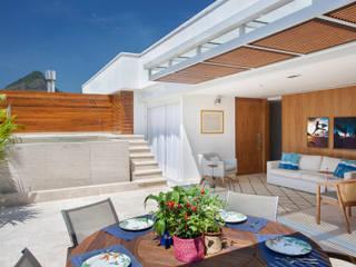 Terrazas  de estilo  por Froma Arquitetura, Tropical