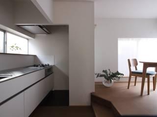二人舎(改装) モダンな キッチン の akimichi design モダン