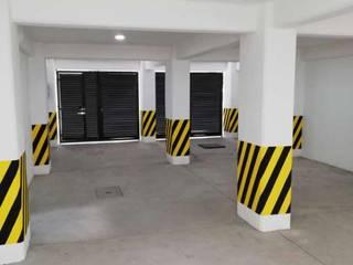 DEPARTAMENTOS RAMOS MILLAN - CDMX Pasillos, vestíbulos y escaleras industriales de Grupo Viesa Industrial