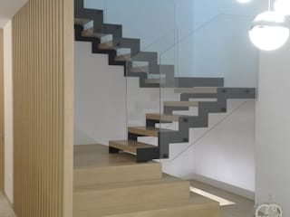 NUÑO ARQUITECTURA Stairs Chipboard Brown
