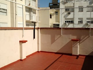 por Arquimundo 3g - Diseño de Interiores - Ciudad de Buenos Aires Mediterrâneo