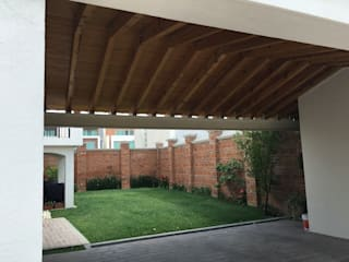 Gable roof by Arqca, Mediterranean