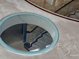Corredores e halls de entrada  por Bisca Staircases