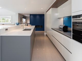 John Ladbury kitchen in Hertfordshire John Ladbury and Company Unit dapur Grey