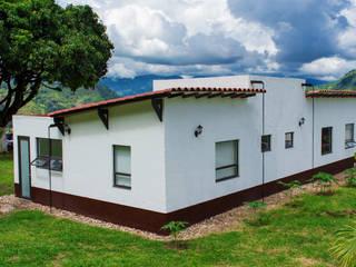 Finca Las Marías - Sasaima: Casas de estilo  por EVA Arquitectos SAS,