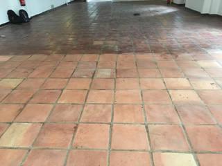 Limpieza y protección de un suelo de terracotta antiguo en un restaurante Cuidado del Hogar, tienda online de productos de limpieza y tratamiento para el suelo