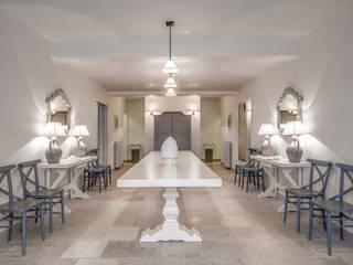 Couloir, entrée, escaliers classiques par Studio Guerra Sas Classique