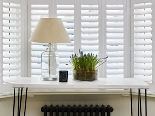 A Stunning Scandi Style Home in Fulham Plantation Shutters Ltd Salon scandinave MDF Blanc
