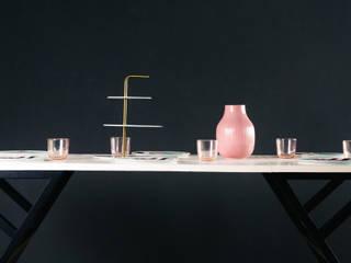 โต๊ะทำงานและทานอาหาร (Beckett Table): ทันสมัย  โดย THUS FURNITURE, โมเดิร์น