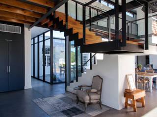 House van Jaarsveld Modern houses by DMV ARCHITECTURE Modern