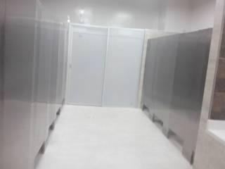 Renovación Baños Planta Producción Super Ricas - Bogota D.C./Fontibon Baños de estilo minimalista de End International Minimalista
