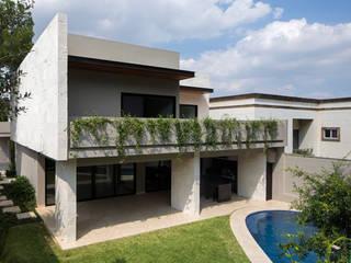 Renovación Casa ME: Casas unifamiliares de estilo  por Brohez arquitectos