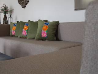 KINICH: Amueblamiento regional contemporaneo.:  de estilo  por Pimusa  Muebles y Decoración