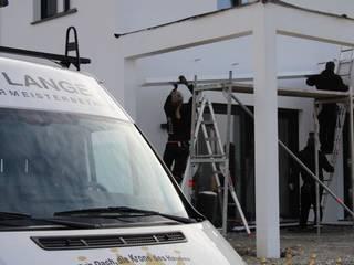 Dachdeckermeisterbetrieb Dirk Lange | Büro Herford Balkon, Beranda & Teras Modern White