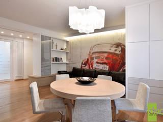 MONTA SÙ - PROGETTO DI RESTYLING E INTERIOR DESIGN: Sala da pranzo in stile  di DUO - Studio di Architettura