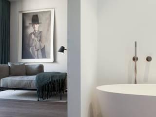 Modern style bedroom by Studio Mariska Jagt Modern