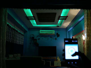 Home Automation, ​Voice Command Control and RGB Lighting for Living Room in Gurgaon, Haryana:  Living room by Urobo Home Automation,Modern