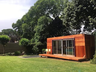 The container garden studio in Johannesburg by A4AC Architects Modern
