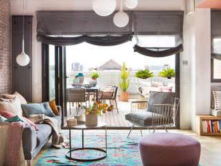 Modern Living Room by Xmas Arquitectura e Interiorismo para reformas y nueva construcción en Barcelona Modern