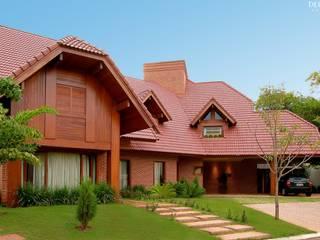 Maisons de style  par Delmondes Arquitetura e Interiores, Rustique