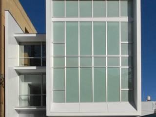 山村眼科+住宅: 奥迫眞一建築設計事務所が手掛けた家です。,