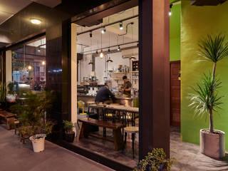 咖啡‧巷弄時光:  商業空間 by 趙玲室內設計