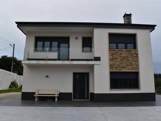 Rehabilitación de vivienda unifamiliar en Silleda Casas de estilo moderno de ENKIARQUITECTURA Moderno