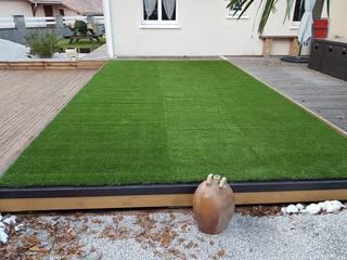 Adaptable a todos los tamaños: Piscinas de jardín de estilo  de AZENCO