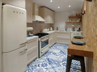 Cozinha anos 50 por Carpintaria da Vila by WT