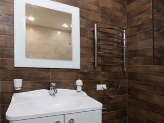 Таунхаус: Ванные комнаты в . Автор – MK-design studio, Классический