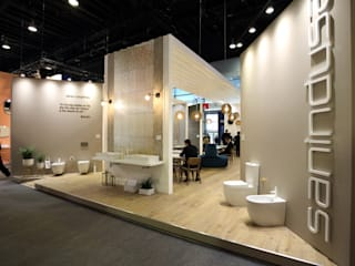 Melissa vilar Modern style bathrooms