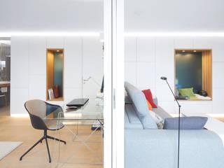 Umbau und Möblierung einer Privatwohnung in Freiburg: modern  von DOMANI INTERIOR. Möbel. Art. aus Freiburg,Modern