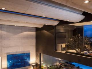 Hector Landgrave Modern dining room