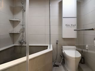 Baños de estilo  por 블랑브러쉬, Moderno