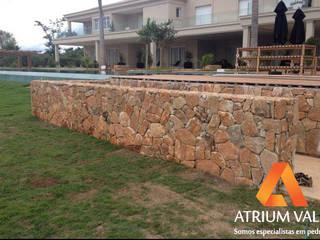 von Atrium Vale Pedras e Projetos Rustikal