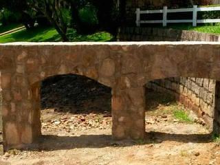Paredes y suelos de estilo rústico de Atrium Vale Pedras e Projetos Rústico