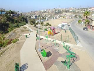 Rehabilitacion Parque Lineal Gimnasios domésticos clásicos de Torres Arquitectos Proyecto y Construcción Clásico