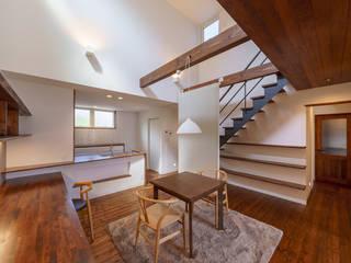 HouseT2: 一級建築士事務所 ima建築設計室が手掛けたダイニングです。,