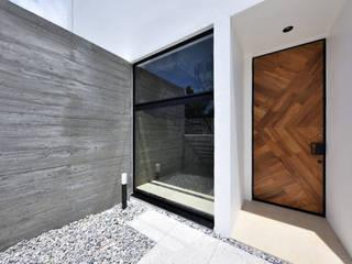 きたなかのいえ ミニマルスタイルの 玄関&廊下&階段 の 久友設計株式会社 ミニマル