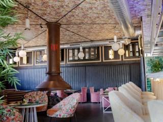 Proyecto de reforma de un restaurante en Alcalá de Henares, Madrid Gastronomía de estilo clásico de VÍCTOR RODAS SALEM Clásico