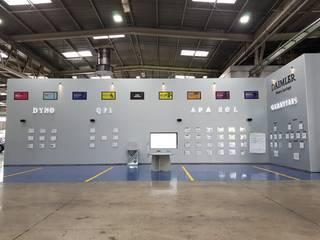 Mampara de Alucobond Centros de exposiciones de estilo industrial de Aufsten Industrial