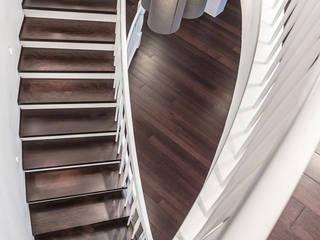 Escaleras de estilo  por zon Eichen - Handwerk und Interior, Clásico