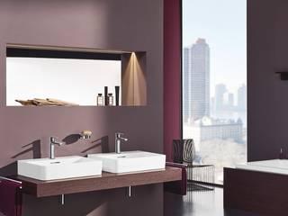 Ванные комнаты в . Автор – DAS BADEZIMMER-RHEIN-MAIN, Классический